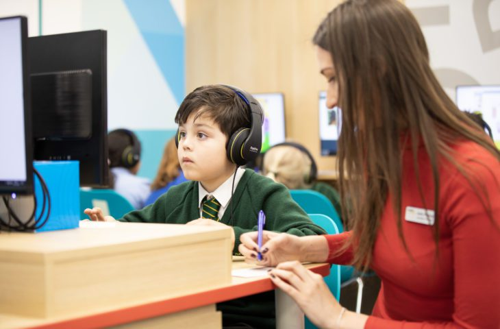 Child at an Explore Learning tuition trial on the computer